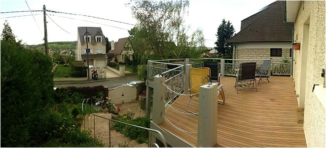 Extension terrasse sur pilotis for Agrandissement maison jardin