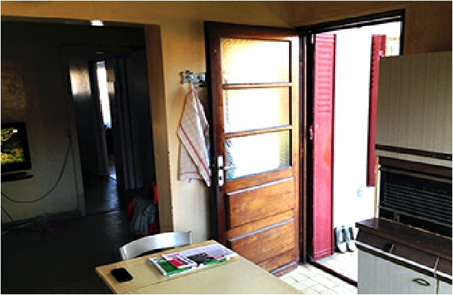 ouverture verticale maisonnette. Black Bedroom Furniture Sets. Home Design Ideas